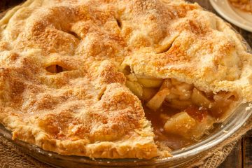 It's a delicious keto mock apple pie that uses chayote squash in place of apples. Enjoy a keto apple pie that fits your macros and is guilt-free.