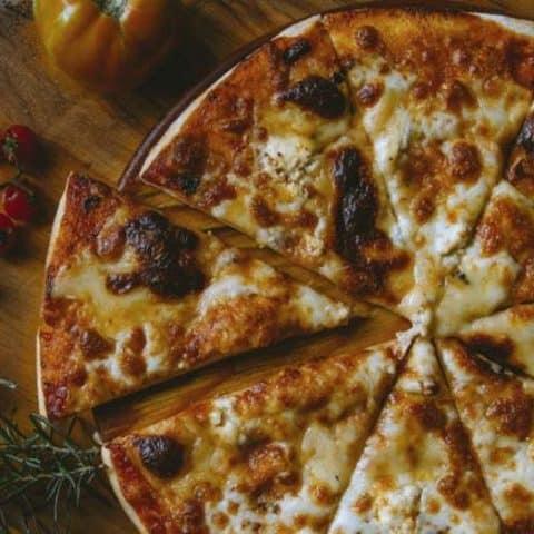 keto skillet pizza