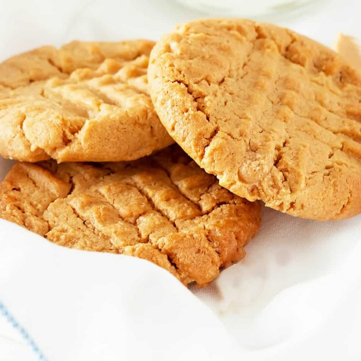 Peanut butter cookies with almond flour