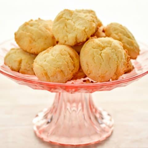 Keto cream cheese cookies for when it needs to be grain-free, nut-free, egg-free, sugar-free, keto friendly and delicious #ketocookies #ketocreamcheesecookies #lowcarbcookies #creamcheesecookies