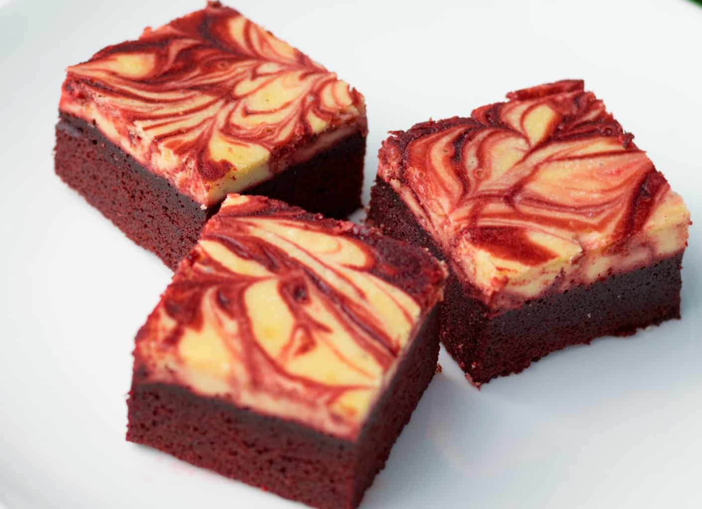 red velvet keto cheesecake brownies