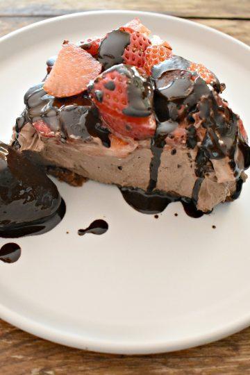 keto no bake chocolate strawberry cheesecake