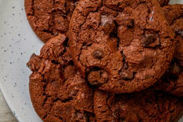 Keto Mexica hot chocolate cookies on white plate close up