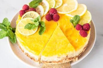 keto lemon cheesecake with lemon curd topping