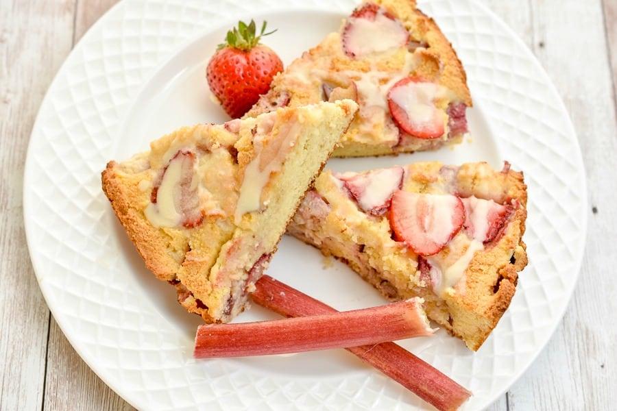 Keto strawberry rhubarb scones