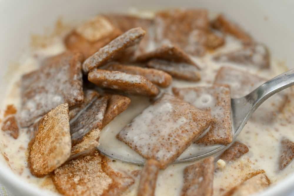 keto cinnamon toast crunch cereal close up