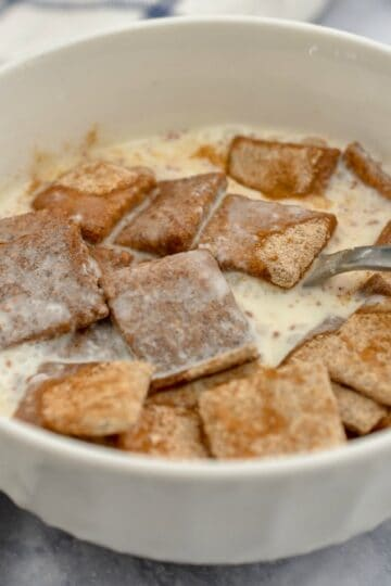 keto cinnamon toast crunch in a bowl ready to be eaten