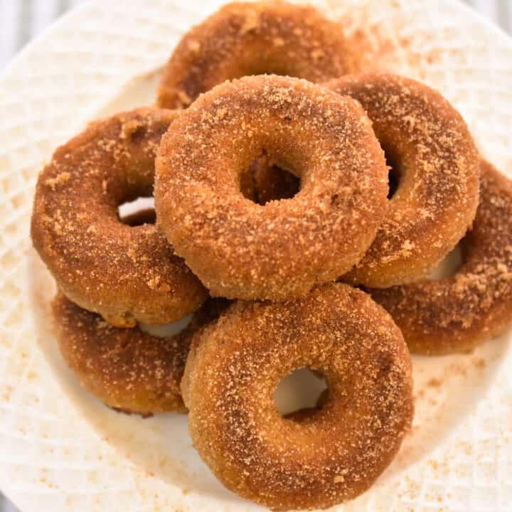 keto-friendly cinnamon sugar donuts