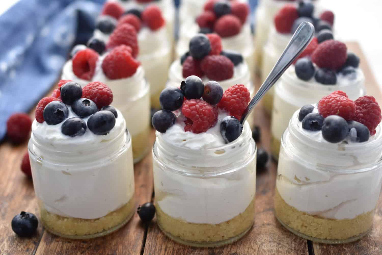 keto friendly no bake cheesecakes in mini jars
