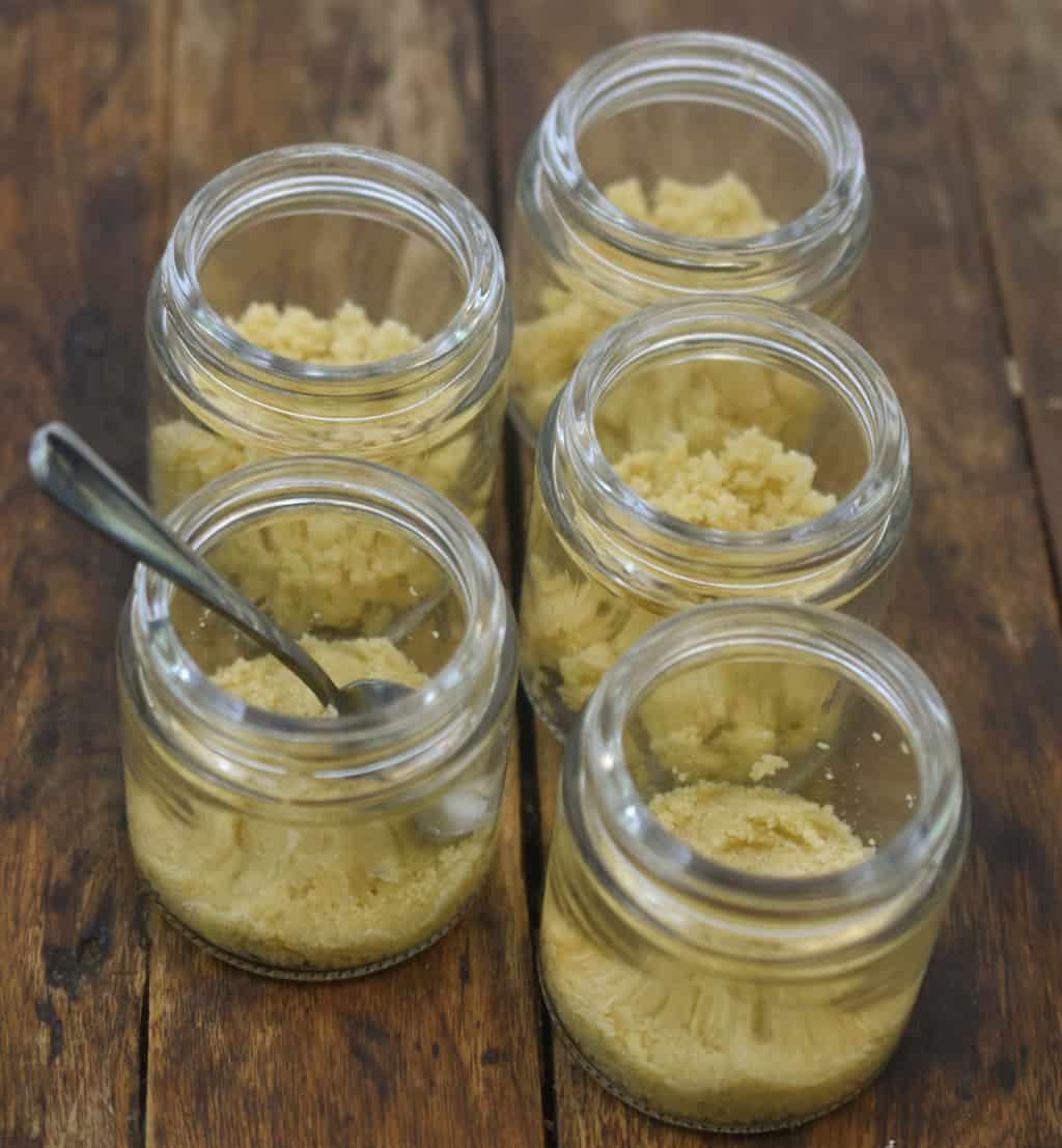 mason jar with almond flour crust for keto cheesecakes