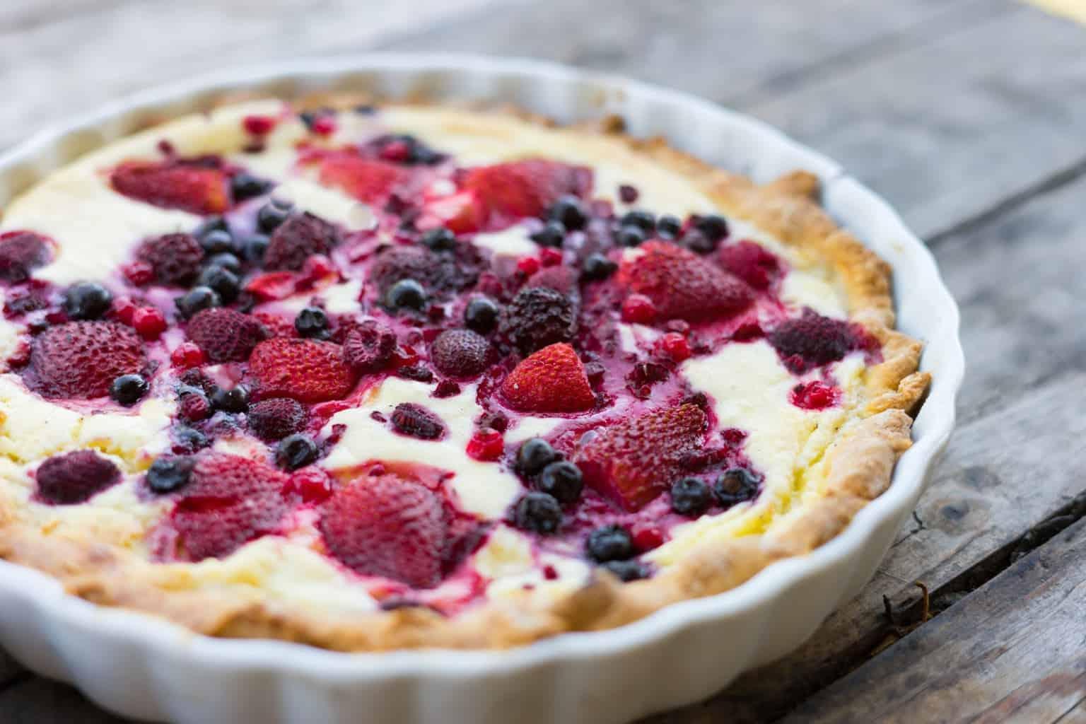 very berry cheese keto pie