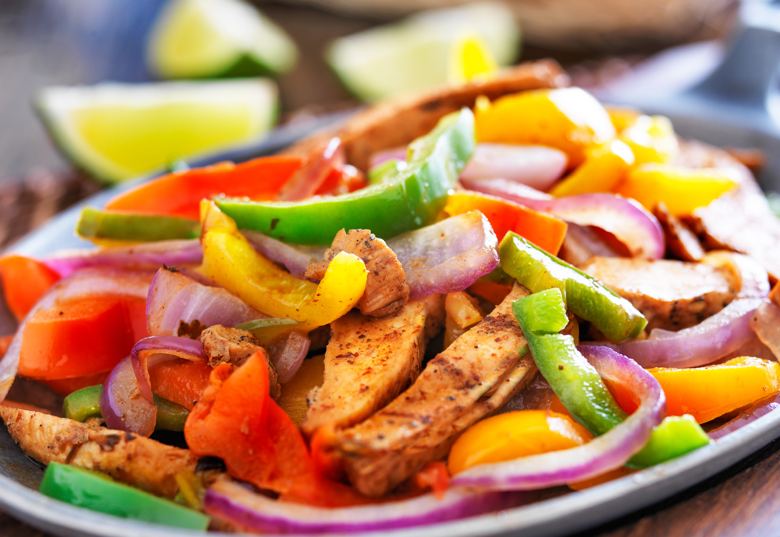 keto chicken fajitas with peppers and red onions