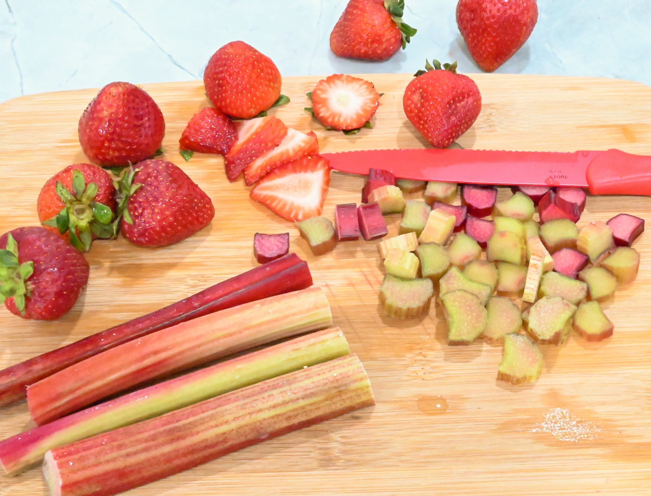 strawberry and rhubarb slices