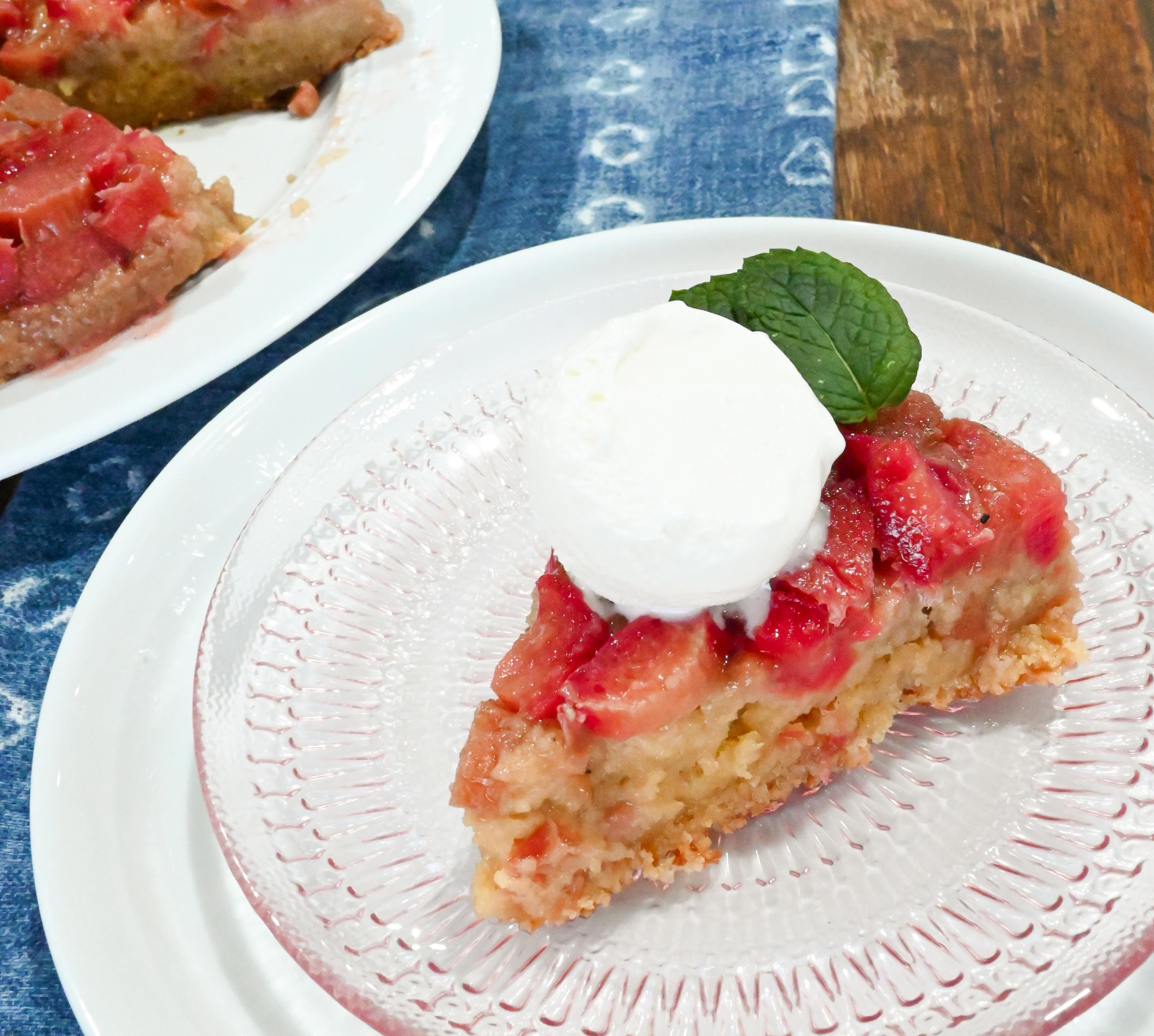 keto rhubarb upside down cake slice served with a scoop of vanilla keto friendly ice cream